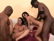Vidéo porno mobile : Two sluts in heat eager of black pleasure